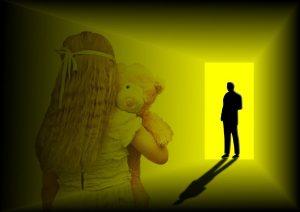 מחדלי חקירה ואי ביצוע בדיקת פוליגרף הביאו לזיכוי נאשם במעשה מגונה בקטינות