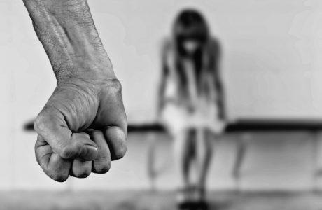 אישה הוכיחה בבדיקת פוליגרף שלא בגדה בבעלה שתקף אותה