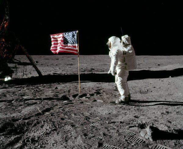 האם נערכה בדיקת פוליגרף לאסטרונאוט באז אולדרין?
